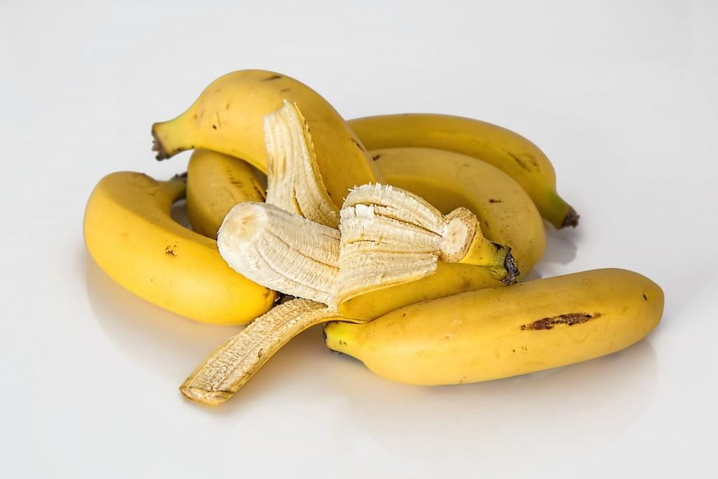 バナナ剥き